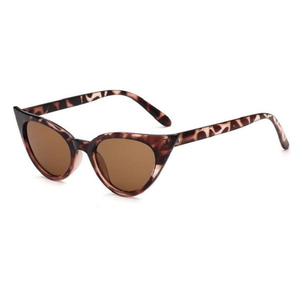 Catseye sunglasses with tortoiseshell frames