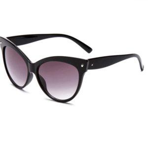 Oversized Breakfast at Tiffany's sunglasses in black