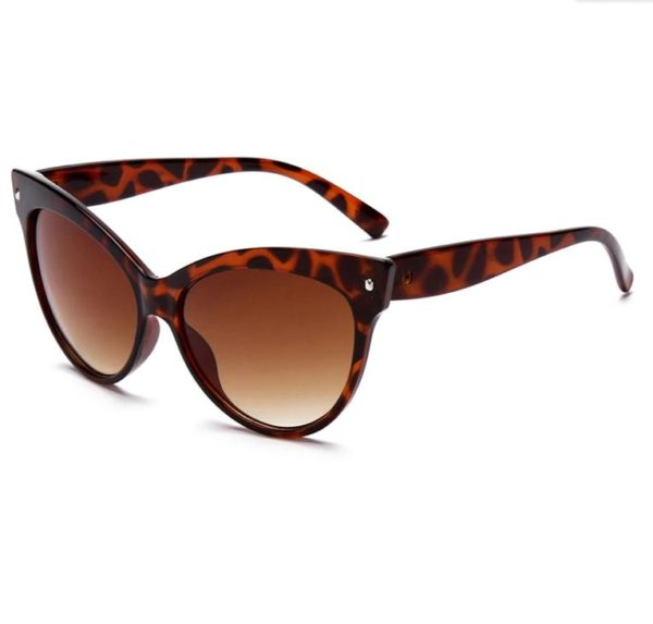 Oversized Breakfast at Tiffany's sunglasses in tortoiseshell