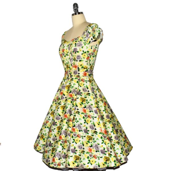 Siren Clothing 50's vintage-inspired swing dress with sweetheart neckline and ruched sleeves side view